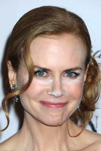 Nicole Kidman Applicare Fondotinta E Cipria