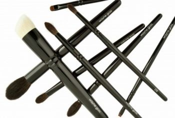 makeup artist Wayne Goss Linea Pennelli