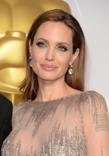 angelina jolie make up oscar