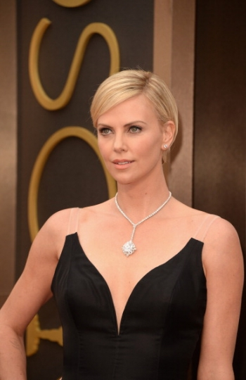charlize theron make up oscar
