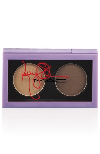 KellyOsbourne-EYESHADOW-MORNINGMISTERMAGPIE-300