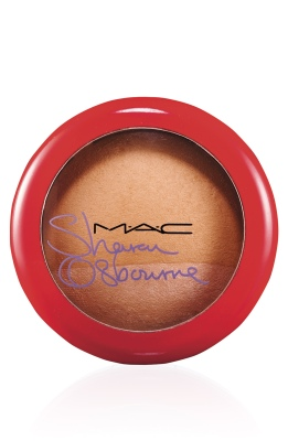 SharonOsbourne-MINERALIZESKINFINISH-Refresh-300