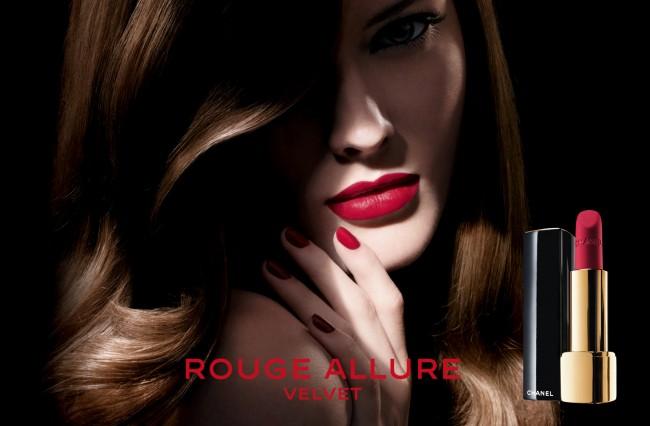 Pubblicità chanel lipstick rouge velvet.