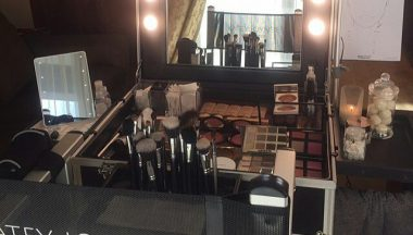 Come personalizzare il materiale da lavoro di un Make Up Artist Pro