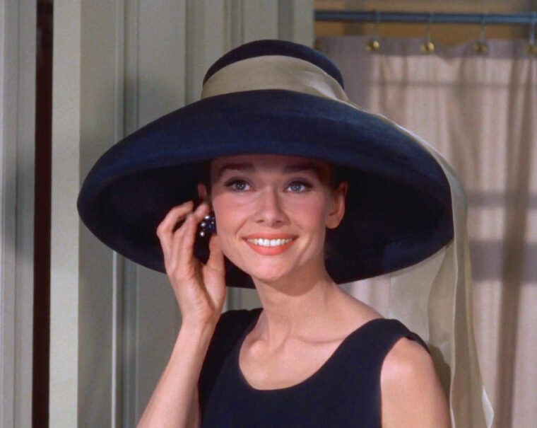 Audrey_Hepburn_Tiffany's